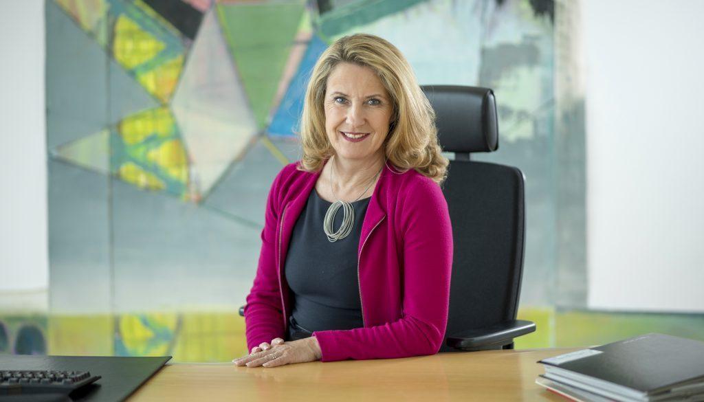 Staatssekretaerin Heike Raab